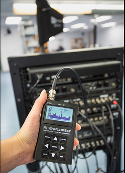 RF Explorer Pro Audio Edition Connected to Wireless Mic System 2